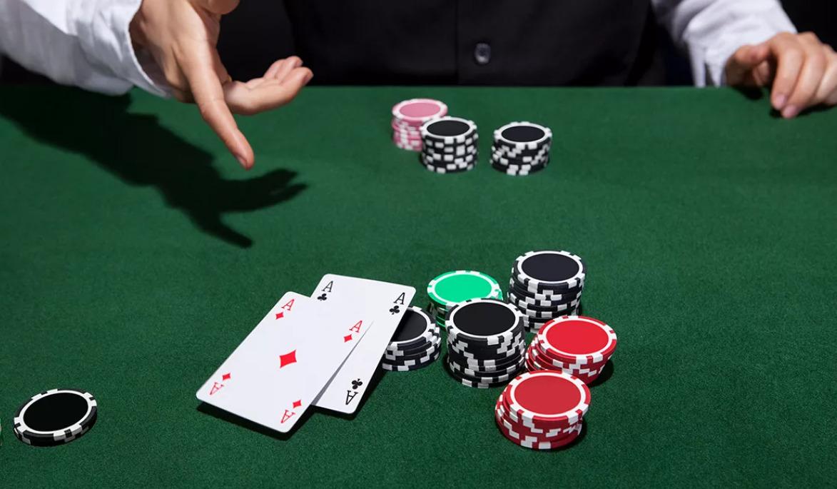 Strategi Terbaik Untuk Pemain Poker Dalam Talian Baru